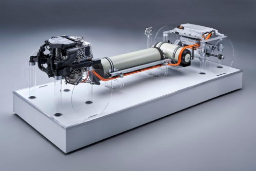 First look at BMW's hydrogen fuel cell powertrain