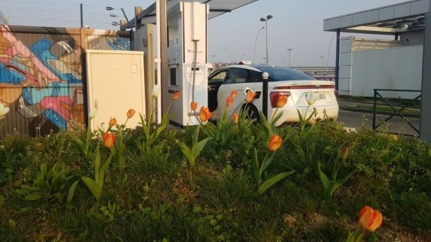 Springtime at Air Liquide hydrogen station
