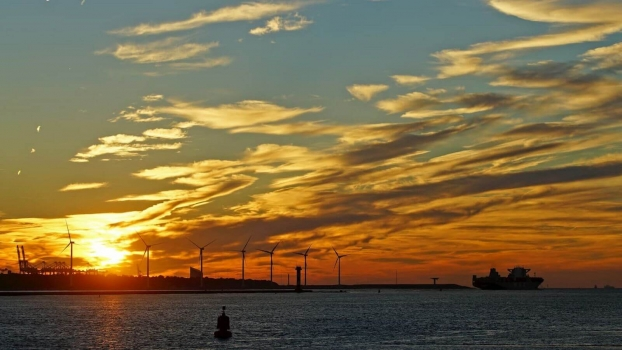 Shell wants to create a green hydrogen hub in the port of Rotterdam