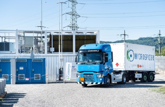Hydrospider delivers first container of green hydrogen