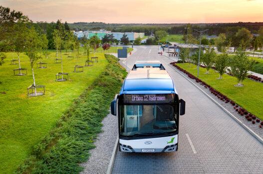 Hydrogen buses begin testing in Upper Austria