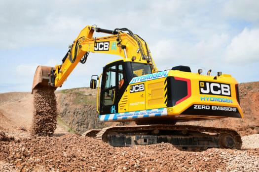 """JCB develops """"first ever"""" hydrogen excavator"""