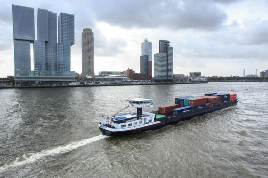 Hydrogen-powered shipping project gets financial boost