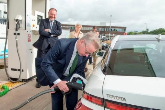 Michael Gove visits Scottish hydrogen station