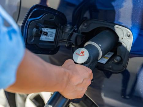 TÜV SÜD to develop new hydrogen refuelling standards