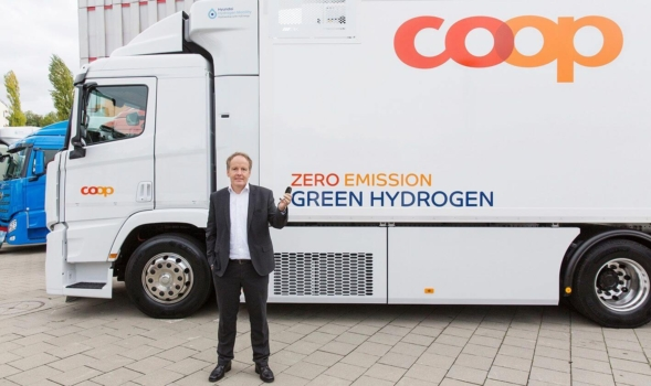 Coop takes delivery of hydrogen truck