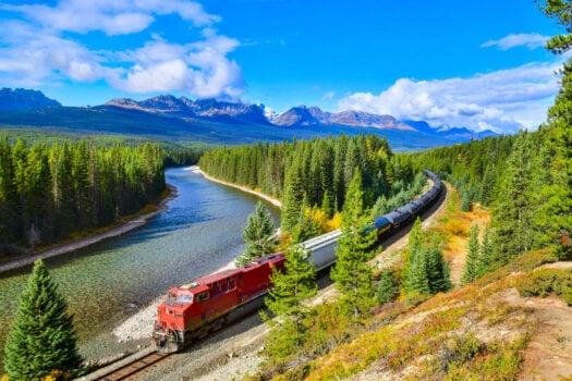 Ballard fuel cells to power North America's first line-haul hydrogen-fuelled locomotive