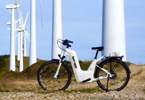 Hydrogen bike gets range boost