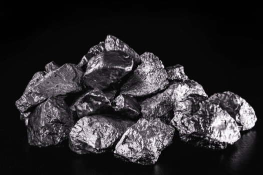 The role of precious metal catalysts in fuel cells