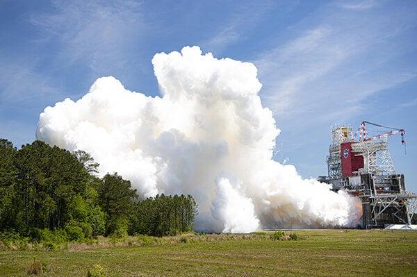 Hydrogen-fuelled rocket engine completes final acceptance test