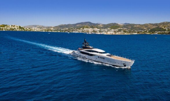 Mega Yachts to be powered by hydrogen fuel cells