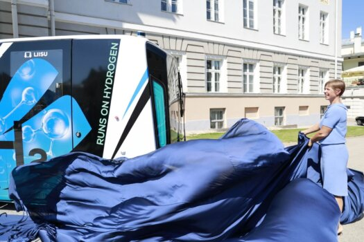 'World's first' hydrogen-powered autonomous vehicle showcased in Tartu