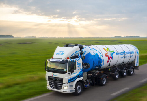 Hydrogen-powered truck now delivering milk in the Netherlands