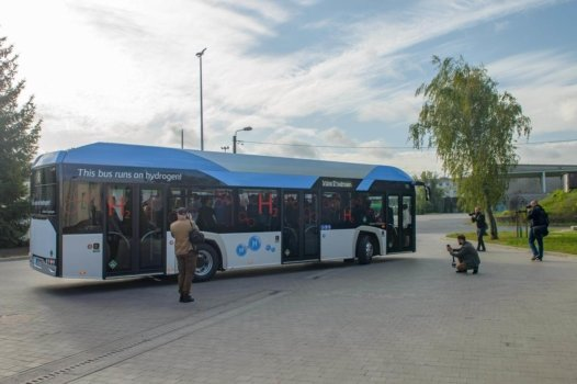 Solaris presents hydrogen bus in Poland