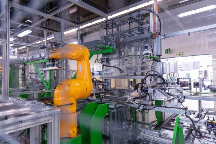 Proton Motor to produce 2,500 fuel cell units annually with automated production lines