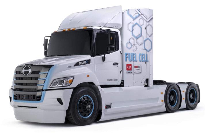 Hino hydrogen truck unveiled in California