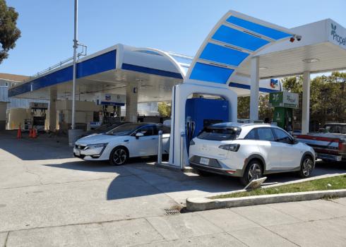 Oakland hydrogen station opens