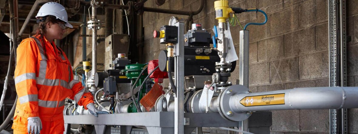 Climate-neutral cement produced with hydrogen tech in the Yorkshire Dales, England