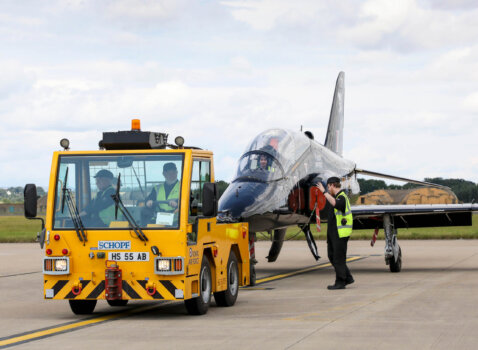 UK consortium working to deploy hydrogen-powered airport ground support vehicles