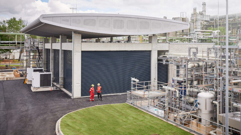 Refhyne II project to deliver a 100MW electrolyser for hydrogen production in Germany