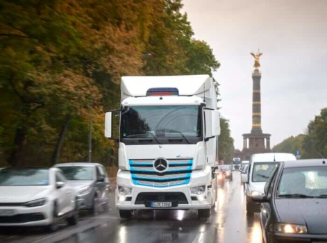 Daimler to introduce hydrogen vehicles