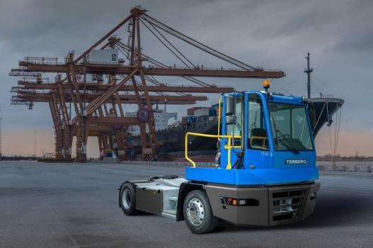 Terberg unveils hydrogen yard tractors