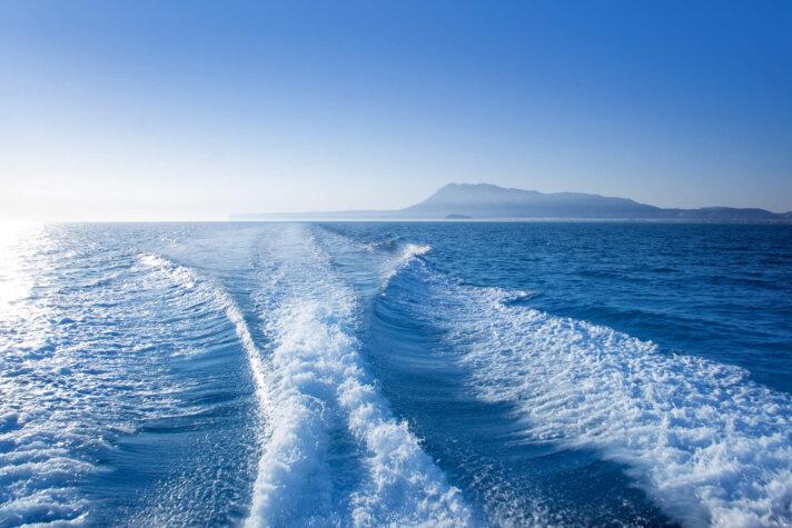 Hydrogen-powered leisure boat to hit markets next year